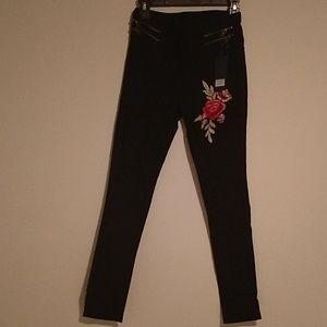 Denim - NWT skinny stretch jeans. Sz s/m